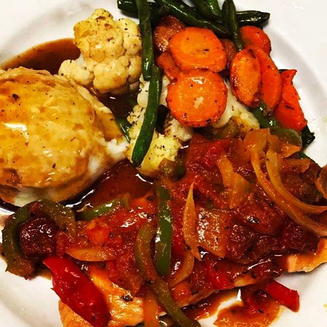 #salmon #mediterranean #style #fresh #seafood  #homecooking #gastonsorlandpark #gastonsbistro #foodi