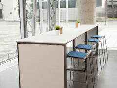 Panel End Colaborative Table with Stools