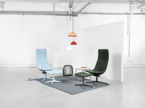 Comet XL Lounge Chair and Ottoman