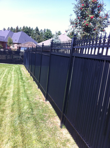 PVF9 - Backyard Privacy Fence