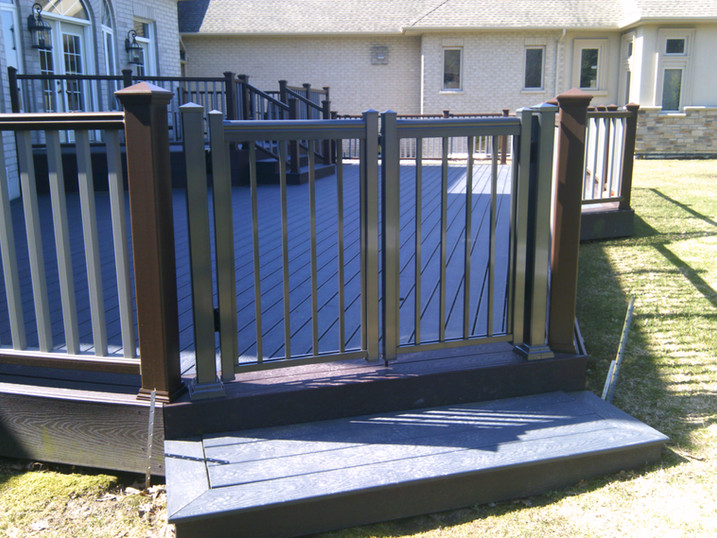 PR28 - Backyard Railing Gate