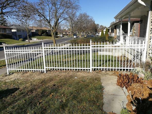 PF8 - Picket Fence