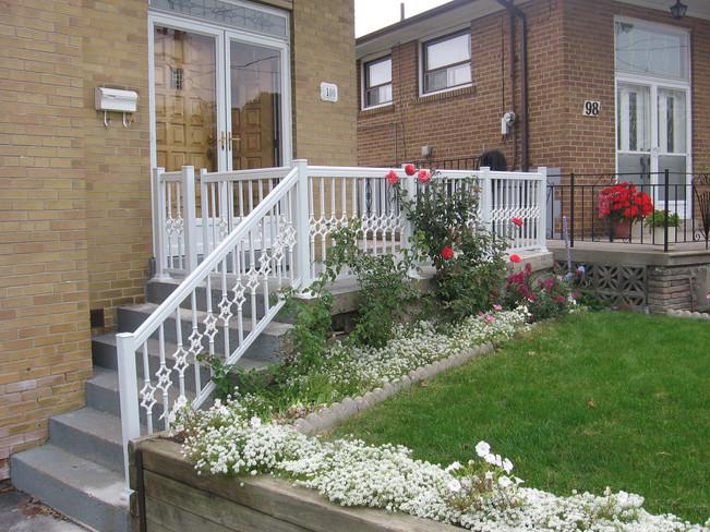 PR13 - Front Porch Railing