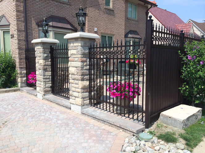 PF13 - Black Fence and Gate