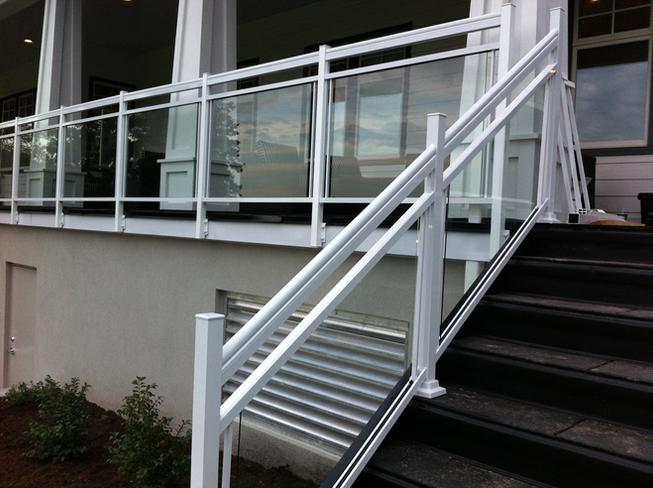 GR19 - White Glass Railing