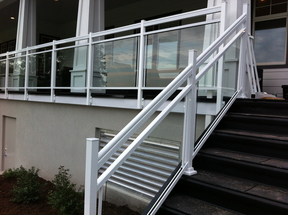 GR19 - White Glass Railing