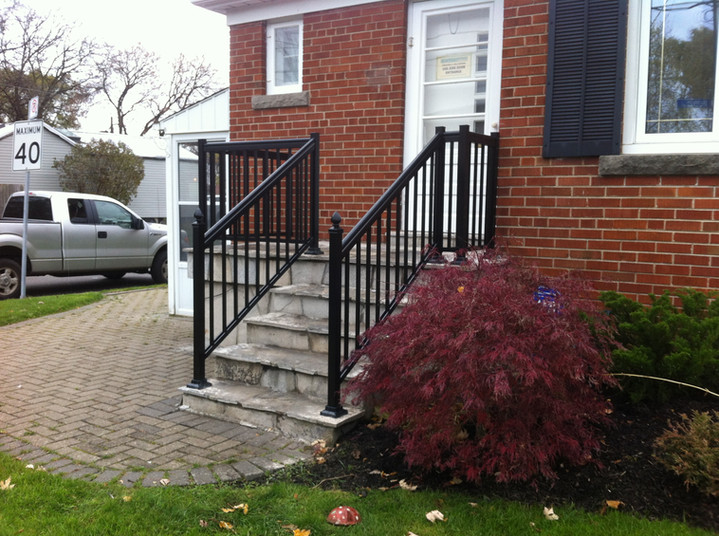 PR30 - Front Porch Picket Railing