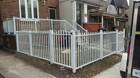 PF10 - Picket Fence