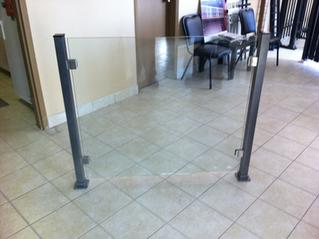 GR10 - Frameless Glass Railing