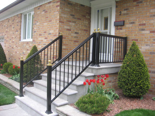 PR4 - Black and Gold railing