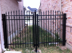 G8 - Double Gate between homes