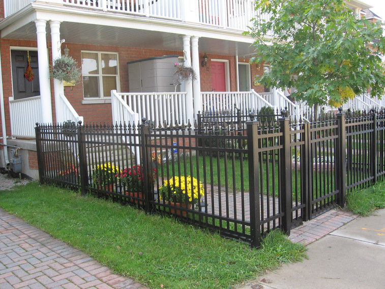 PF19 - 4' Front Yard Fence