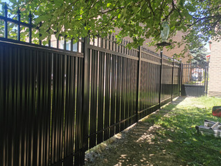 PVF13 - Privacy Fence in black