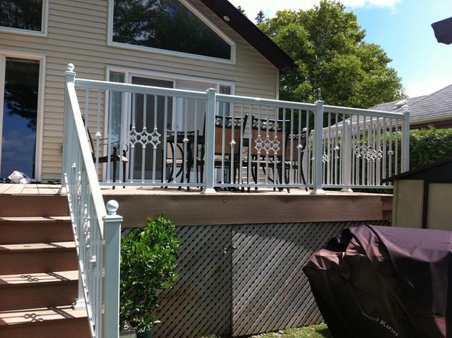 PR21 - Backyard Deck Railing