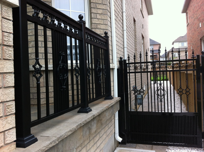 G1 - Semi-Privacy Gate