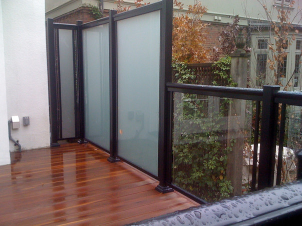 GF3 - Frosted Glass Privacy Screen