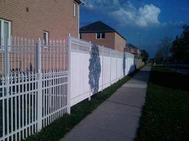 PF11 - Picket and Privacy Fence