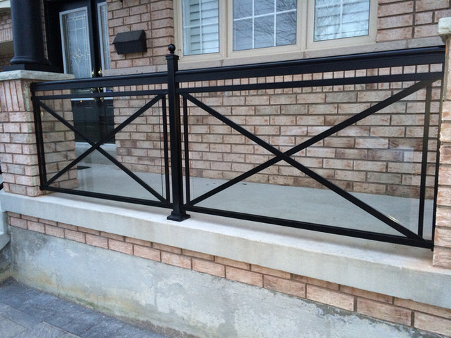 GR18 - X Design Glass railing