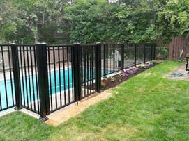 PF16 - Pool Picket Fence