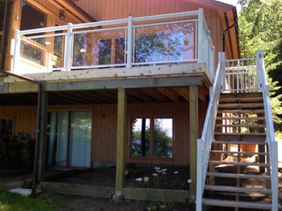 GR2 - Second floor deck railing