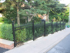 PF17 - Picket Fence
