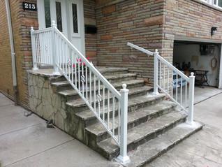 PR23 - Front Porch Railing