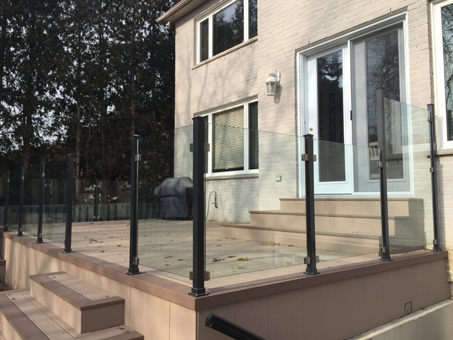 GR14 - Backyard Porch Railing