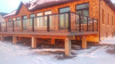 GR5 - Cottage deck railing