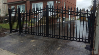 G5 - Double Picket Gate