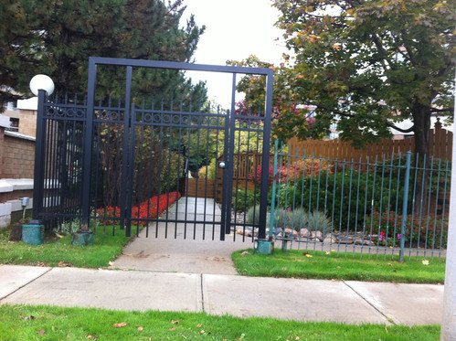 PF22 - Picket Fence with Arc