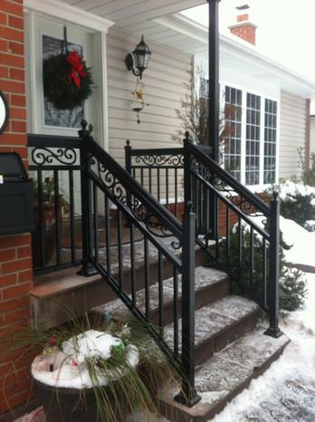 PR31 - Front Porch Railing