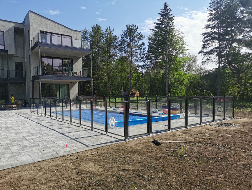 GF6 - Pool Fence