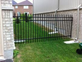 PF15 - Black Picket Fence
