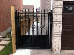 G2 - Semi-Privacy Gate
