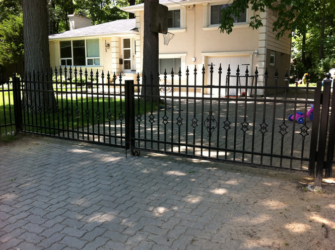 G4 - Double Picket Gate