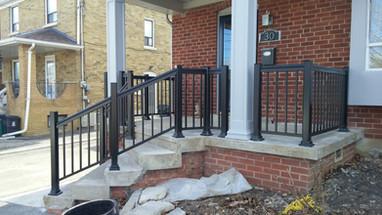 PR18 - Front Porch Railing