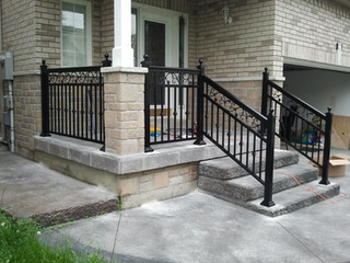 PR20 - Front porch picket railing