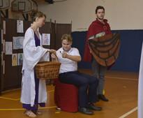 Král Mínos (Milan Galandák) a Theseus (David Dobeš)