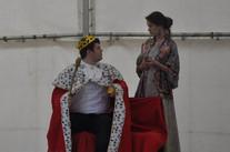Král (Marek Cimirot) a Dvorní dáma (Anita Bonková)