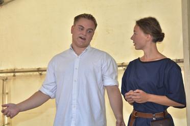 Vypravěči (Milan Galandák a Tereza Klabanová)