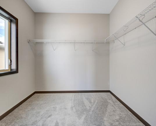 27 Main bedroom.jpg