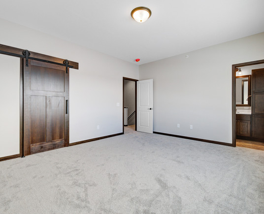 26 Main bedroom.jpg