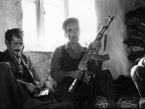 Kurde am Fenster