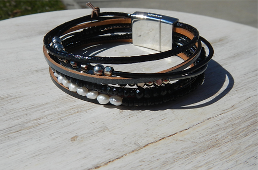 Black Pearl Mixed Bead Magnetic Bracelet