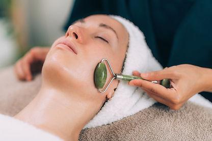 Guasha face lymph draining massage with