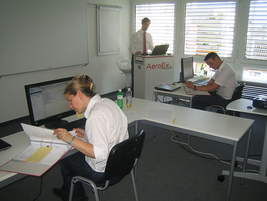 AeroEx_Aviation_Consulting_Seminar_Train