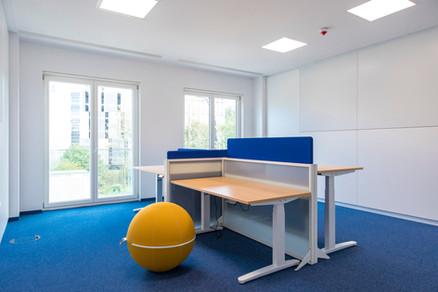 Großräumiges und modern ausgestattetes 4-er Büro