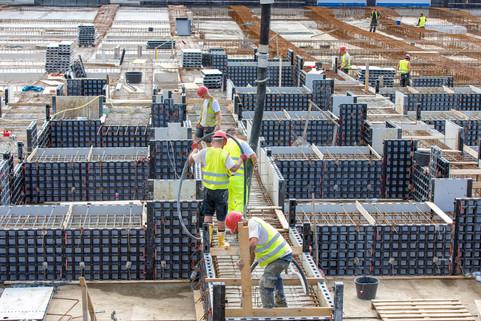 Betoniervorgang der Balkenroste