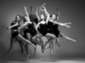 The group of modern ballet dancers_edite