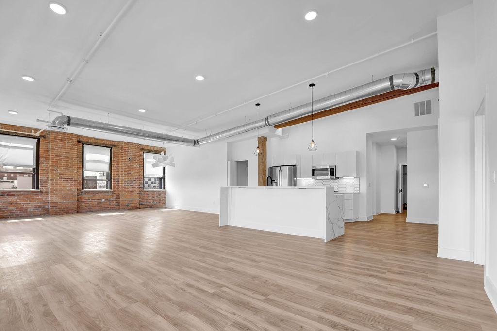 5th Floor Suites